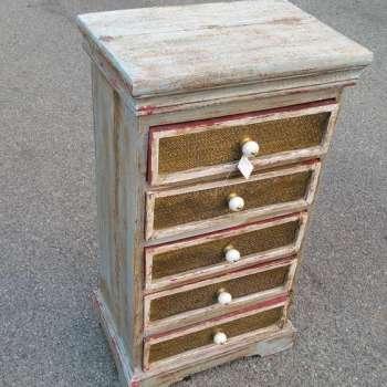 piccola cassettiera in legno