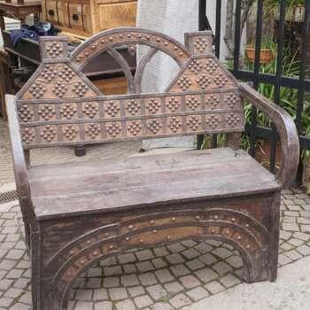 Poltrona indiana realizzata in legno teak